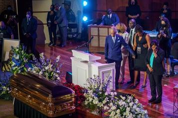 «Tu as changé le monde»: poignante cérémonie d'hommage à George Floyd)
