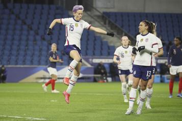 Match de soccer amical Une victoire de 2-0 des Américaines en France)