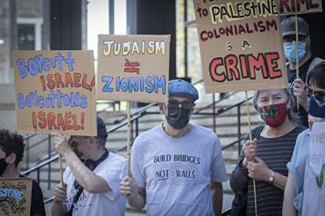 Conflit israélo-palestinien  Une manifestation pacifique à Montréal )