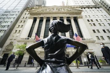 Wall Street clôture dans le rouge)