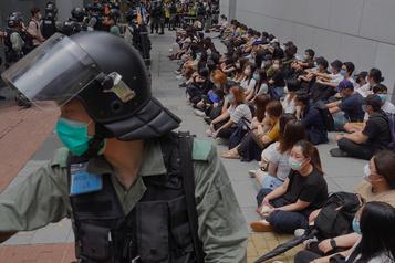 Hong Kong: la police dissuade les manifestants prodémocratie)