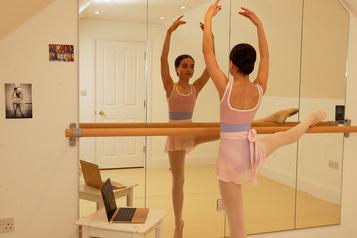 Hop! Du ballet en ligne!