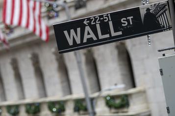 Wall Street joue de prudence et clôture en baisse)