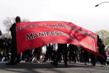 Une manifestation anticapitaliste déclarée illégale à Montréal)