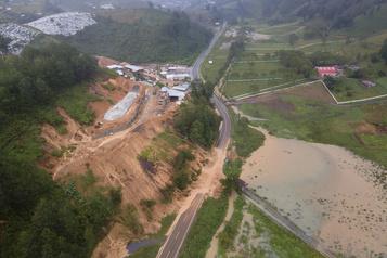 Amérique centrale: près de 200 morts ou disparus après le passage de l'ouragan Eta )