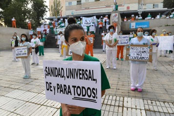 Espagne: les soignants manifestent à Madrid pour exiger de meilleures conditions)
