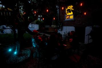 La bonne idée Une terrasse éclairée pour de longues soirées d'été )