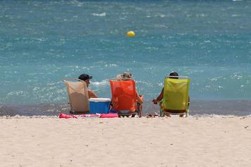 Espagne: douche froide pour le tourisme avec le rebond de la COVID-19)
