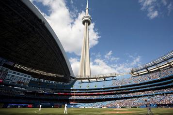 Les Blue Jays se rapprochent de Toronto)
