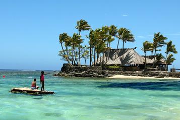 Les îles du Pacifique redoutent les touristes)