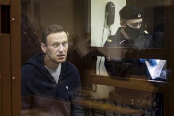 «En grave danger», Navalny doit être évacué à l'étranger)
