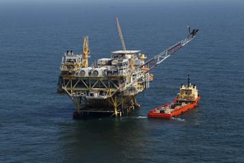 Le pétrole commence la semaine avec une avancée timide)