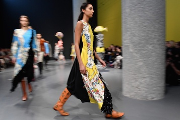 Mille et une versions de la féminité à la Fashion Week