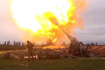 L'Azerbaïdjan et le Nagorny Karabakh affirment s'infliger de lourdes pertes)