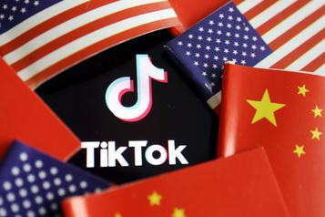 Trump interdit toute transaction avec le propriétaire chinois de TikTok d'ici 45 jours)