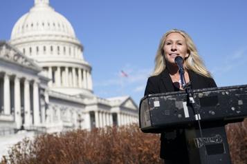 Une élue pro-Trump controversée (re)met les chefs républicains dans l'embarras)