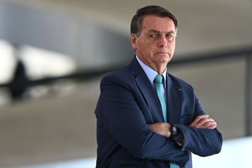 Diffusion de fausses informations La Cour suprême brésilienne ordonne l'ouverture d'une enquête sur Bolsonaro)