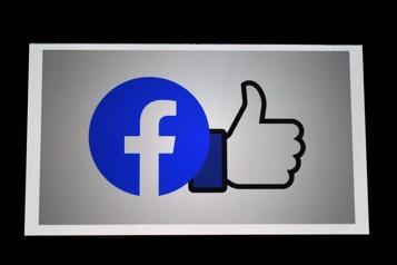 Facebook voit ses profits doubler, mais prévoit une croissance ralentie)