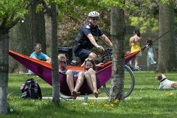 Toronto: Ford demande aux gens qui étaient présents dans un parc à être testés)