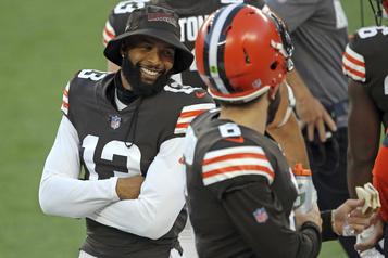 Browns de Cleveland Odell Beckham a reçu un test négatif, mais reste en isolement pour le moment)