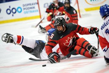 Domination canadienne en parahockey à Ostrava)