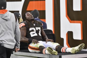 Browns de Cleveland Kareem Hunt s'absentera plusieurs semaines