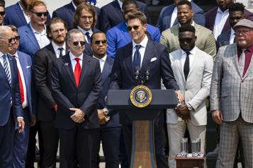 Visite à la Maison-Blanche Tom Brady se moque de Donald Trump)