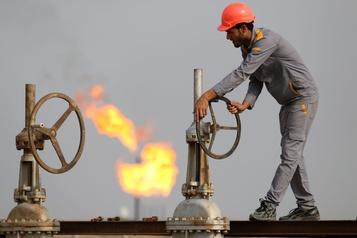 Le pétrole rechute après le report d'une réunion de l'OPEP+