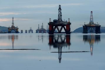 Le pétrole à un sommet en plus de deux ans)