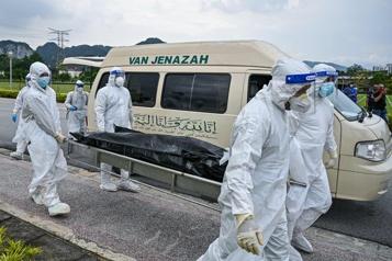Bilan de la pandémie Plus de 3813000 morts dans le monde)