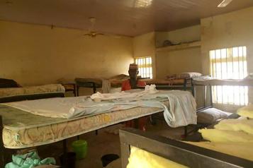 317 adolescentes enlevées au Nigeria Le président refuse de céder au chantage des criminels)