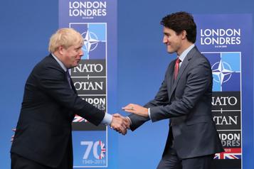 Élections britanniques: Trudeau félicite Johnson