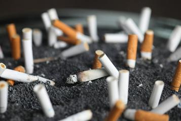 Le tabagisme accroît le risque de complications après une chirurgie