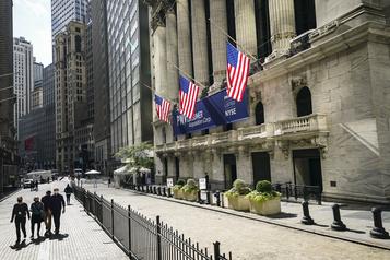 Wall Street termine la semaine en ordre dispersé)