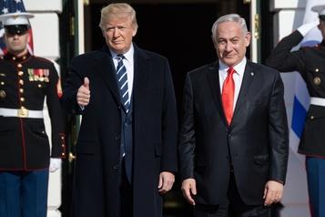 Trump dévoile son plan de paix salué par Israël, mais rejeté par les Palestiniens