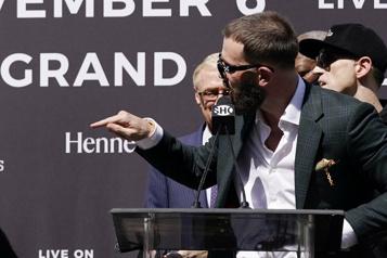 Boxe La conférence de presse du combat entre Canelo et Plant vire à la bagarre)