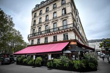 Mois d'août incertain pour les hôtels parisiens)