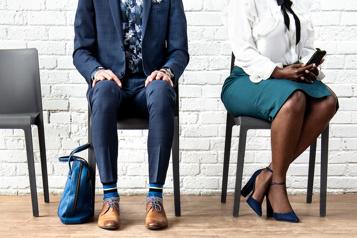 Trois candidats pour un emploi à L'entrevue)