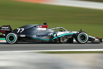 Mercedes domine la séance d'essais à Barcelone