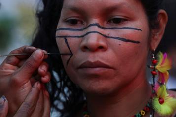 Augmentation des violences contre les indigènes au Brésil)