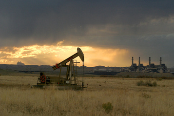 Le pétrole en hausse après la chute des stocks américains de brut)
