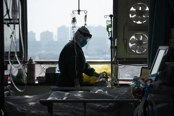 COVID-19: la Chine annonce 71décès supplémentaires