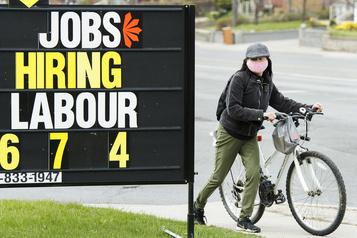 Le taux de chômage canadien devrait plafonner au 2etrimestre, selon l'OCDE)