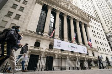 Lésée par des prises de profits, WallStreet redescend après des records)