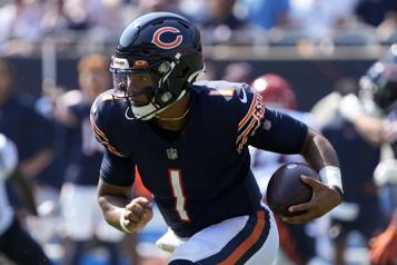 Bears Justin Fields sera le quart partant dimanche)