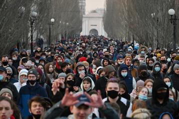 Des milliers de manifestants pour Navalny en Russie)