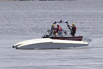 Rivière des Prairies Un pilote d'hydravion sauvé par un plaisancier )