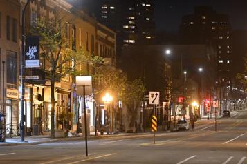 Le couvre-feu repasse à 21?h?30 dès lundi à Montréal et Laval)
