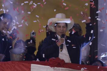 Pérou Pedro Castillo officiellement président, plus d'un mois après les élections)