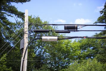 Internet haute vitesse en région L'accès aux poteaux s'améliore, mais demeure coûteux)